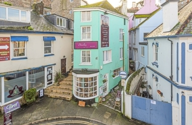 Koporsó vagy lakás? Nagy Britannia furcsa háza nem Drakula otthona