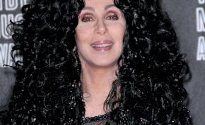 Az istennők is megöregszenek egyszer – Cher ma 75. éves!