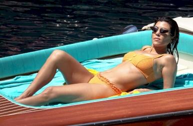 Kukkants be Kourtney Kardashian legújabb villájába!