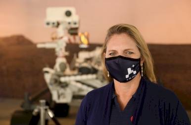 Ma este landol a Marson a NASA szondája és helikoptere