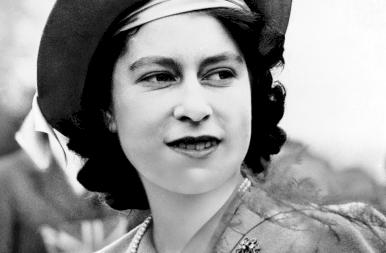 95 éves lett II. Erzsébet: ritkán látott képek a királynőről