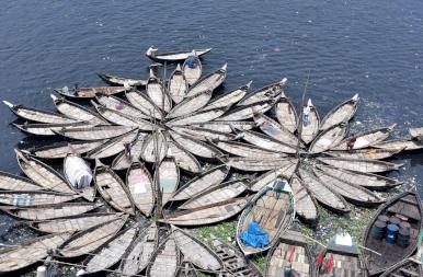 Képeken Buriganga, a világ legmocskosabb folyója