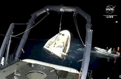 Ilyen volt a NASA és a SpaceX történelmi jelentőségű földet érése – képek