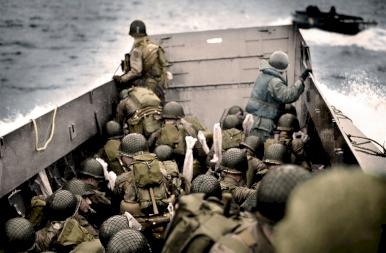 77 év telt el a nácik veresége óta! Felújított színes képekkel!