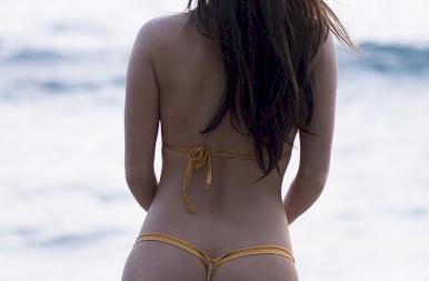 75 éves a bikini: íme pár brutálszexi kép a ruhadarabról, ami az egész világot megváltoztatta – 18+