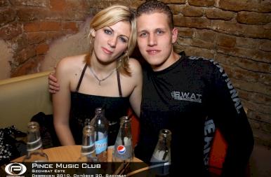 Debrecen, Pince Café & Music Club - 2010. október 30. szombat